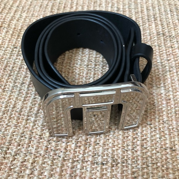 Travis Mathew Other - Travis Mathew belt/buckle